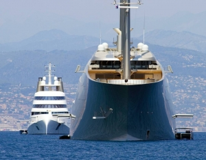 World  largest Sailing Yacht  present during the Monaco Grand Prix.